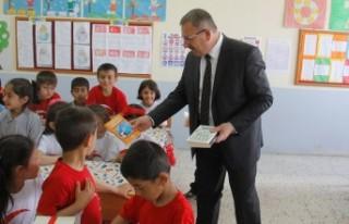 Başkan Aydın Okuma Bayramında Öğrencilere Kitap...