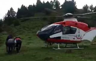 Mantardan Zehirlendi Ambulans Helikopterle Hastaneye...