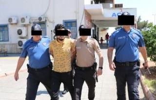 10 Yıl Hapis Cezasıyla Aranan Firariyi Mahalle Bekçileri...
