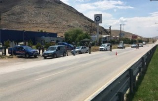 Jandarma Huzur Uygulamasında 35 Şahıs Yakaladı