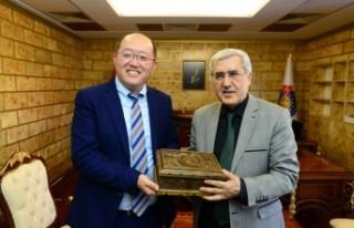 Çin Continental Hope Group CEO'sunun KSÜ Rektörü...