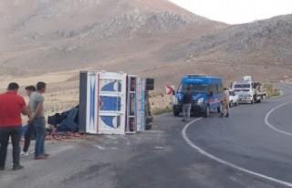 Kahramanmaraş'ta Kamyonet Devrildi: 3 Yaralı