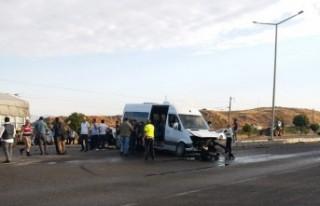 Kahramanmaraş'ta Trafik Kazası: 1 Ölü, 15 Yaralı