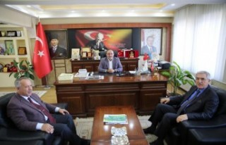 Rektör Can, Afşin Belediye Başkanı Güven'i...