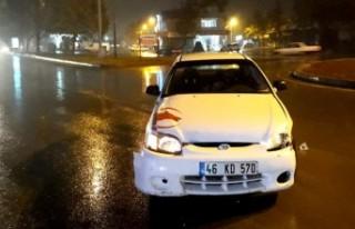 Kahramanmaraş'ta İki Otomobil Çarpıştı: 4...