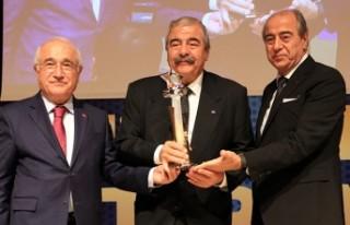 Sani Konukoğlu Vakfı'na Yılın Vakfı Ödülü