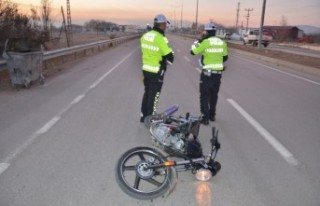Bariyerlere Çarpan Motosiklet Sürücüsü Yaşamını...