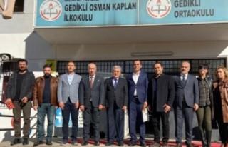 Nurdağı'nda Okul Duvarları KSÜ Öğrencilerine...