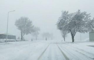 Kahramanmaraş'ta Kar Yağışı Hayatı Olumsuz...