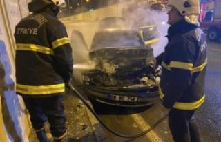 Tıra Arkadan Çarpan Otomobil Yandı
