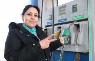 Pompacı Sevda'nın Hedefi Tır Şoförlüğü