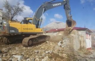Elbistan'da 250 Metruk Yapıdan 180'ini Yıkıldı