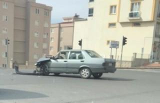 Kahramanmaraş'ta İki Otomobil Çarpıştı...