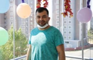 17 Arkadaşı Koronalı Çıkan Kuveyt'teki Dondurmacı...