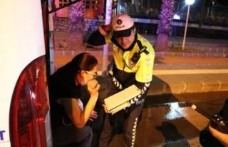 Alkollü Kadın Sürücünün Ehliyetine 2 Yıl El...