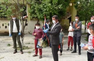 Başkan Okumuş'dan, 23 Nisan'da Yetim Çocuklara...