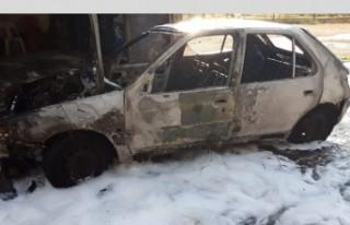 Tamirhanedeki Otomobil Cayır Cayır Yandı