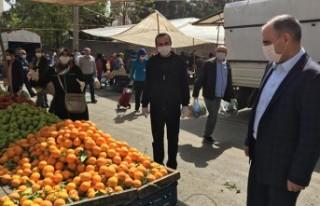 Vali Vahdettin Özkan, Çarşı - Pazar İncelemelerde...