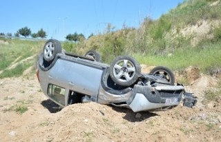Kahramanmaraş'ta Trafik Kazası, Otomobil Şarampole...