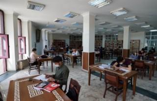 Halk Kütüphanelerinde Kontrollü Sosyal Hayat Uygulaması...