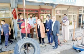 Milletvekili Öçal, Köy Garajı Esnafı İle Bir...