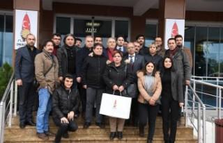 Başkan Mahçiçek, Dünya Gazeteciler Günü'nü...