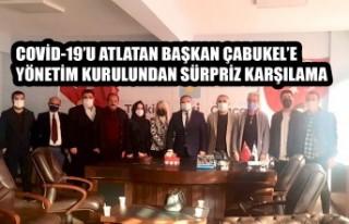 Başkan Çabukel'e Yönetim Kurulundan Sürpriz...