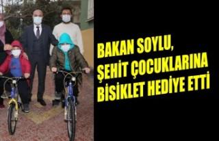 Bakan Soylu, Şehit Çocuklarına Bisiklet Hediye...