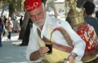 50 Yıldır Meyan Şerbeti Satıyor
