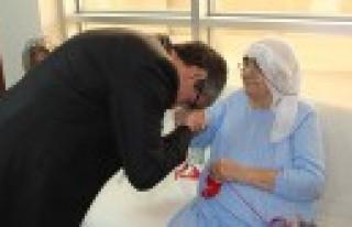 8 Mart'ta Yaşlılar Unutulmadı