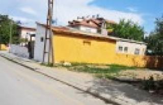 Afşin Belediyesi Boyama Çalışmalarını Sürdürüyor