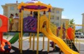 Afşin Belediyesinden Çocuklara Oyun Parkı