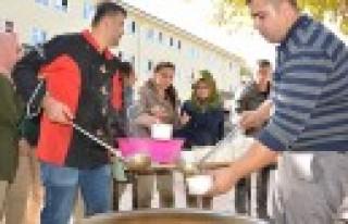 Aşure Kazanları Mehmet Gümüşer Anadolu Lisesi'nde...