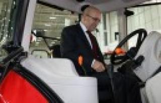 Başbakan Yardımcısı Şimşek Başak Traktör Standında...