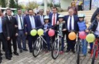 Başkan Erkoç; Spora Desteğimiz Sürüyor