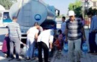 Büyükşehir Elbistan'da Su Dağıtımına Başladı