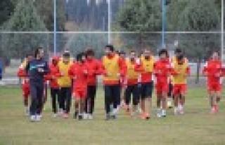 Büyükşehir Kemerspor 2003 Maçına Hazır
