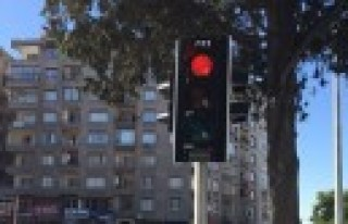 Büyükşehir'den Daha Modern Trafik Lambaları