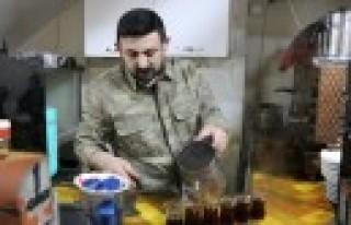 Çaycının Hasılatı Mehmetçiğe