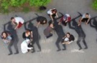 ÇÜ Öğrencileri, 301 Maden İşçisinin Siluetini,...