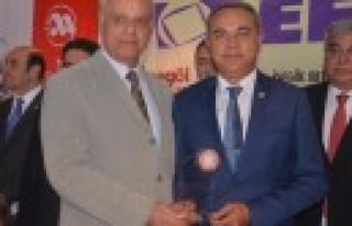Dedeoğlu'na Yılın Milletvekili Ödülü