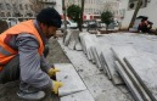 Dulkadiroğlu'nda Cadde Ve Kaldırımlar Bazalt Taşıyla...