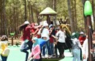 Dulkadiroğlu'nda Park ve Bahçelerde Çocuklar...