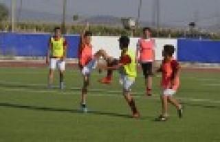 Galatasaray Futbol Okulunda Geleceğin Aslanları...