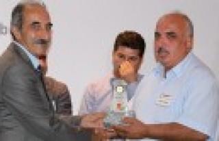 Gazeteci Bekir Doğan'a TGC den ödül