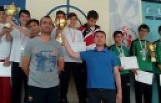 Havalı Tabancada Türkiye Şampiyonlukları Rekorlarla...