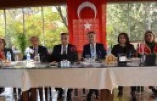 İYİ Parti Kurucu İlçe Başkanları Basınla Buluştu...
