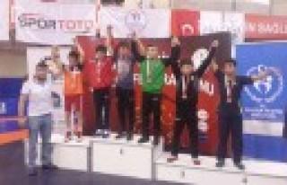 Kahramanmaraş Gençlik Spor Kulübü Türkiye Şampiyonu
