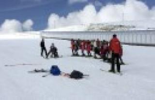 Kayak Akademisi'nde Dersler Devam Ediyor