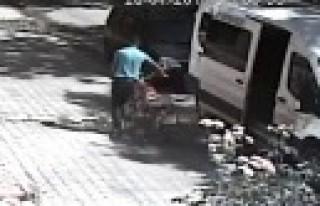 Motosiklet Hırsızı Kameraya Bile Aldırmadı